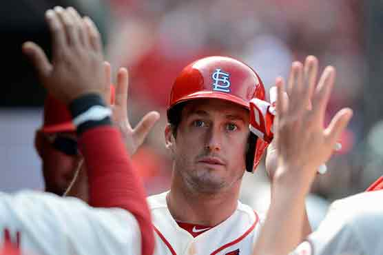 Cardinals beat Reds to stretch NL Central lead