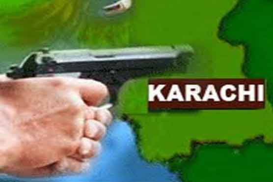 Policemen among ten killed in Karachi violence