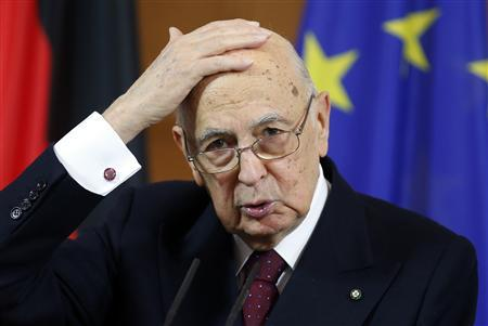 Italian president seeks way out of political stalemate