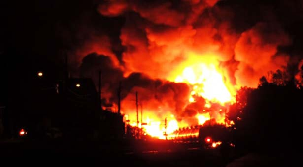 Canadian town evacuated after freight train carrying crude oil derails
