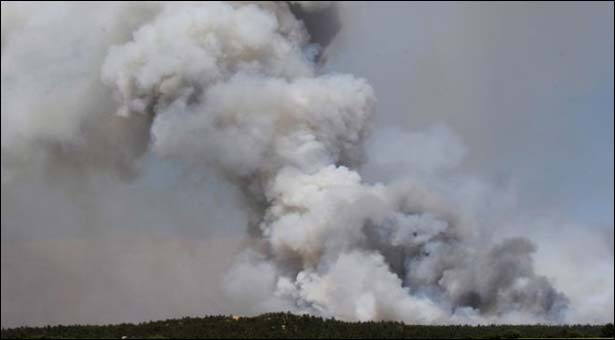 Colorado fires destroy homes, thousands evacuated