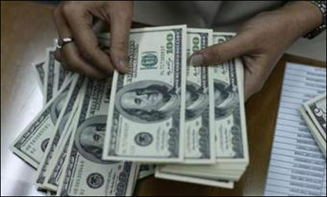 Dollar under pressure as tensions rise over Syria