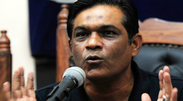 Rashid Latif says picking seniors backfired