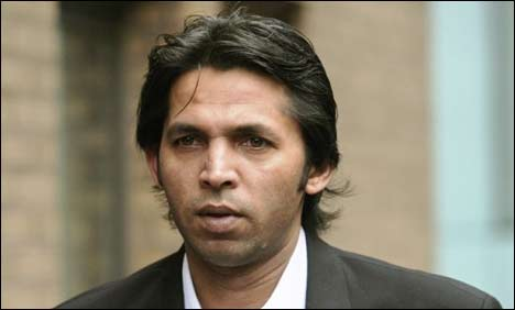 Muhamamd Asif, police at odds over robbery
