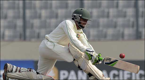 Bangladesh on brink of Test defeat at lunch on day 4