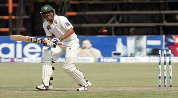 Younis shines for Pakistan again