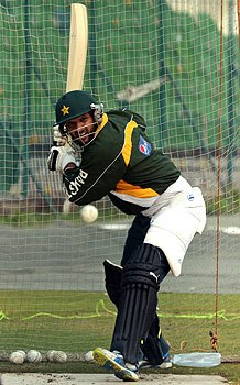 Afridi hits form in practice games, Misbah hints at rethink