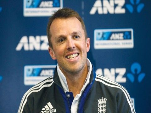 Ashes fears as England's Swann faces surgery