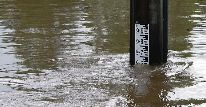 Military called in as deadly floods batter Australia