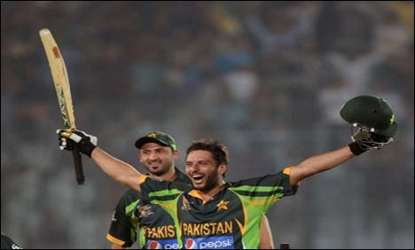 Afridi sixers win thriller for Pakistan against India