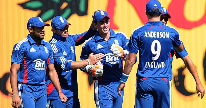 England's players advised not to participate in PSL