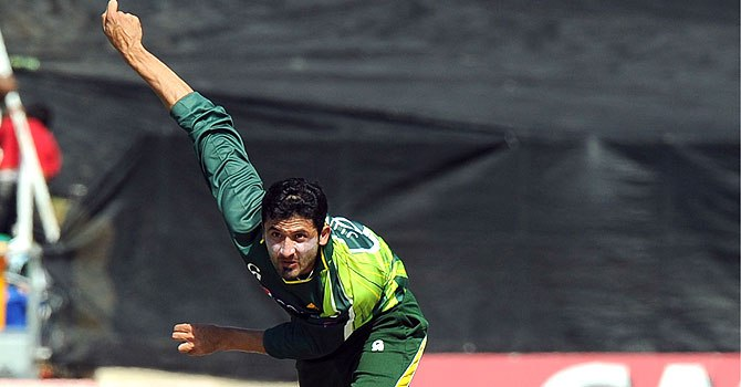 Junaid passes over county offers, focussed on CT