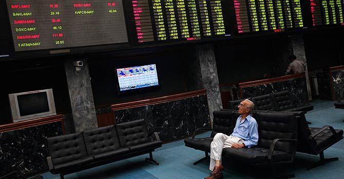 KSE welcomes 2013 with new peak