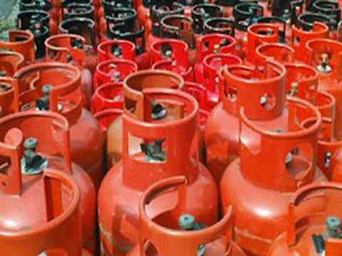 LPG price goes up by Rs 10 per kg