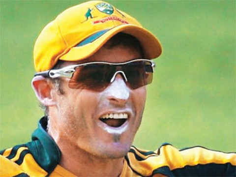 Michael Hussey to commentate on Australia matches