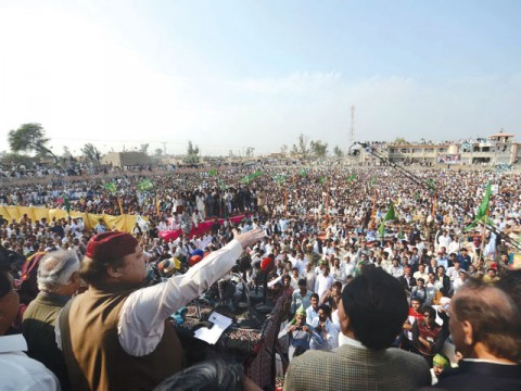 Nawaz sees a changing Sindh