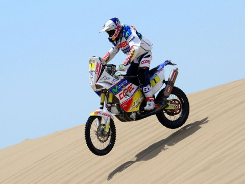 Sainz claims Dakar's opening brief encounter