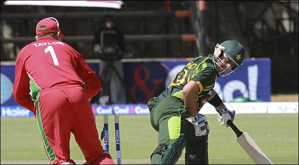 Pakistan set 245 for Zimbabwe in 1st ODI