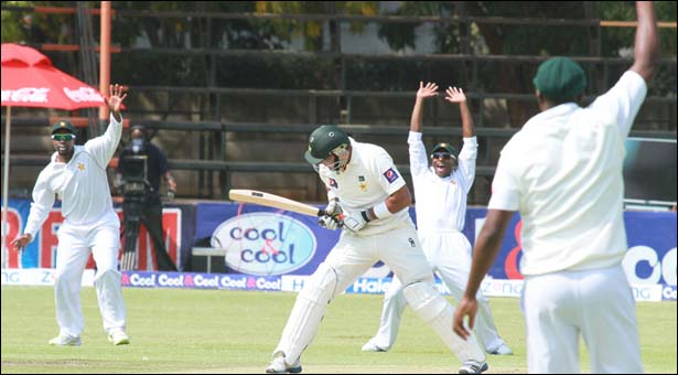 Pakistan trudge to 74 at lunch in first Test