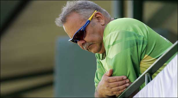 Whatmore to leave as Pakistan coach in February