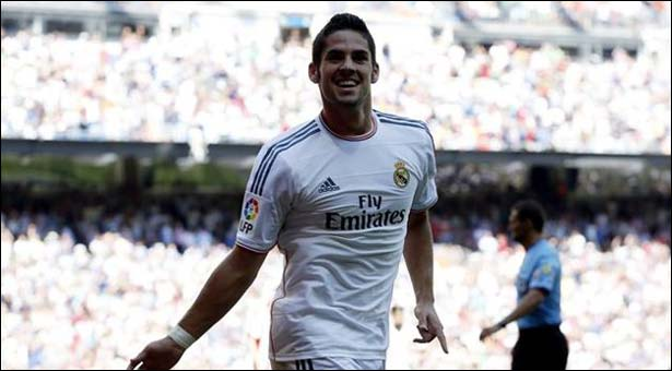 Real maintain perfect record, Isco scores twice