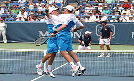 Bryans win record 14th doubles title