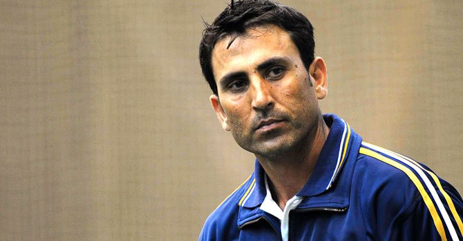 Pakistan drops Younis from Champions Trophy squad